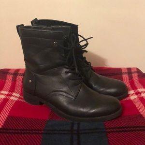 🥾Nine West Takotae lace boots 🥾